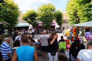 La place des Tilleuls est le théâtre de la fête annuelle.