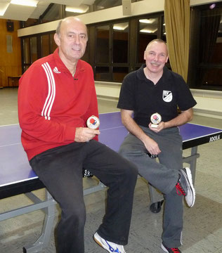 Die Gewinner des Schleifchenturniers: links Klaus Rathschlag und rechts Michael Otto  (zum Vergrößern auf Bild klicken)