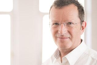 Portrait-Bild von Volker Bienert von der Karriereberatung München für die berufliche Neuorientierung