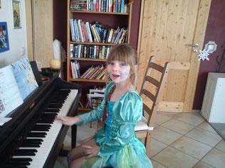 Klavier lernen Kind, Erwachsene, Klavierunterricht Kind