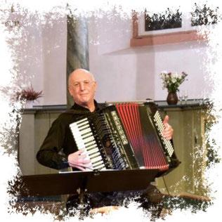 Alexandre Bytchkov demonstrierte eindrucksvoll die Vielseitigkeit seines Instrumentes. Foto→ Karen Liller