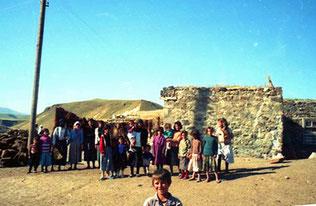 die Kurden-Gross-Familie bereit zum photographieren