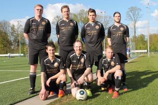 Die gloreichen Sieben: Bergmann, Jockel, Benny, Lan (Reihe hinten) und Maik, Waldi, Janick (Reihe  vorne)