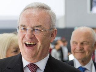 Martin Winterkorn (M) und der Aufsichtsratsvorsitzende der Volkswagen AG, Ferdinand Piech. Foto: Julian Stratenschulte