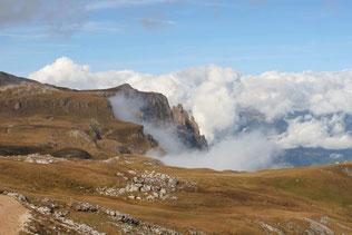 Bergmassiv Schlern, von Wolken geküsst
