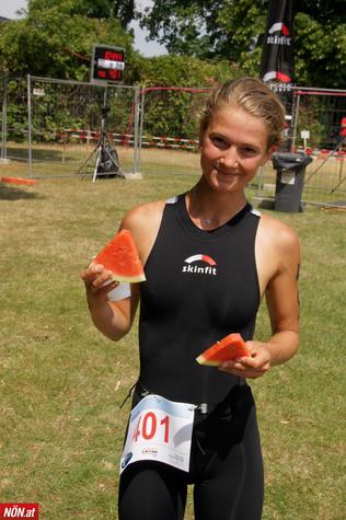 Lemi Wutz - hier allerdings im Ziel des Triathlons in Schönkirchen-Reyersdorf vor einer Woche (Foto: Bonifazi/NÖN)