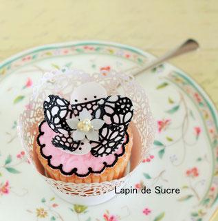 レースフラワーカップケーキ