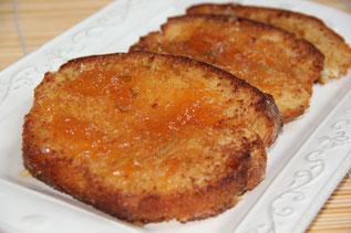 Torrijas de brioche y salsa de naranja