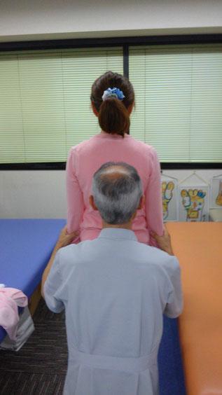 神経筋連鎖療法の講師 千葉裕司先生