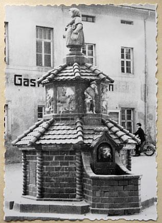 Töpferbrunnen Kohren-Sahlis Kurt Feuerriegel