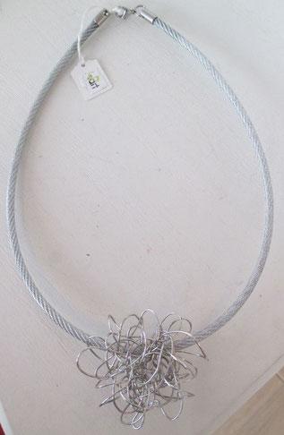 collier en fil inox et acier plastifié