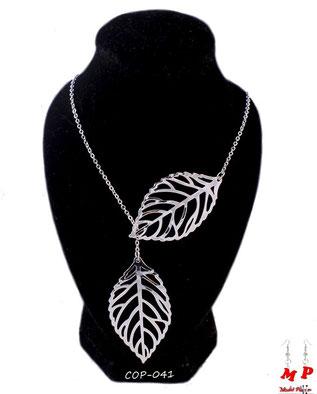 Collier deux feuilles argentées et sa chaine argentée