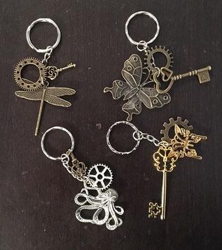 Steampunk Schlüsselanhänger (jeder mit anderem Design)