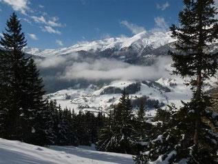 Skiangebot mit Schneeschuhwanderung und Yoga in der Natur von Reschen am Reschenpass im Vinschgau - Südtirol