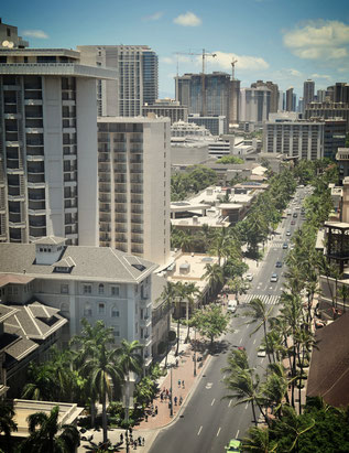 Einkaufsstrasse am Waikikibeach