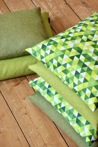 Kissenhülle Triangle grün 40x40cm, Kissen, Bezug, Kissen, Pillow, Kissenhüllen, Wohnaccessoires, Einrichtung, Wohnen, Wohntextilien, Couchkissen, Dekokissen, Unikate, Unikat, dreieke, bunt, grün