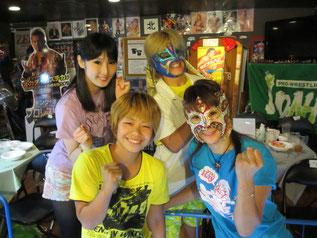 (左から)真琴選手、小林香萌選手、乱丸選手、Ray選手
