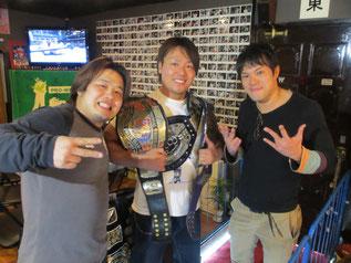 (左から)ヤス・ウラノ選手、HARASHIMA選手、KUDO選手