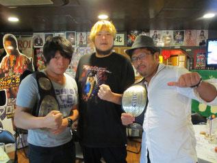 (左から)拳王選手、森嶋猛選手、大原はじめ選手