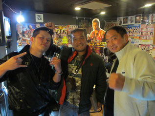 (左から)橋本大地選手、田中将斗選手、大谷晋二郎選手