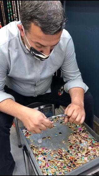 Selim in seiner Werkstatt