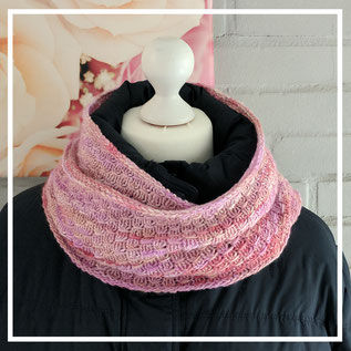 """Escama del Dragon Cowl"""