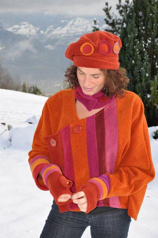 veste asymétrique avec mitaine et béret