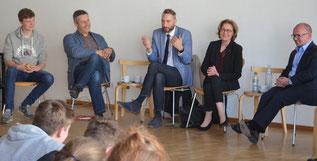Diskussion mit der Schülerschaft des Dresdner St. Benno Gymnasiums