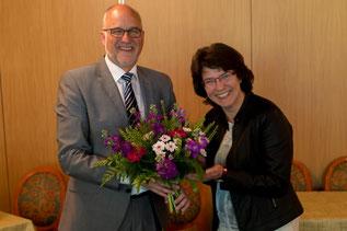 Herzliche Aufnahme von Angela Wolfsteller als Neumitglied und als Beisitzerin im Vorstand