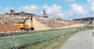 与那国町で進む駐屯地建設現場=8月20日、与那国町の南牧場