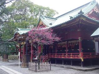 根津神社の拝殿
