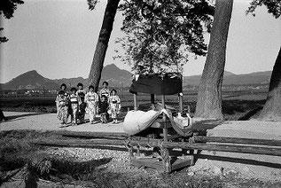 村上節太郎写真:北条だんじりと子供たち(昭和10年代) 出典: 愛媛県歴史文化博物館 学芸員ブログ『研究室から』