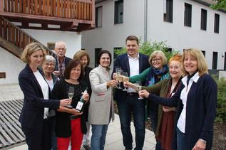 Foto (FAN): Das neue Team der FAN: (von links nach rechts: Judith Himmler, Petra Roll, Paul Weppler, Birgitt Rupp, Inge Röhrl, Vera Finn, Sebastian Schauer, Ruth Dorner, Marion Hofer, Inge Meier.)