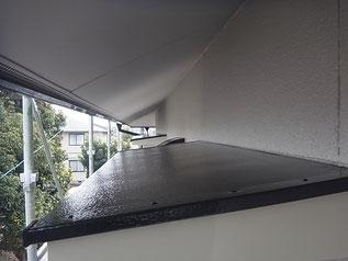 熊本市K様家の庇屋根塗装と外壁塗装完成です。下から見えない部分も丁寧に仕上げる事が大切。