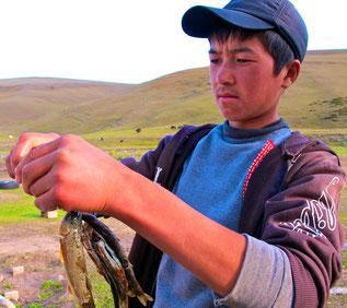 Salin der ältere Sohn von Mirko nach dem Fischen