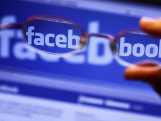 Mit «Facebook at Work» sollen sich Mitarbeiter untereinander austauschen und gemeinsam an Dokumenten arbeiten können. Foto: Jens Büttner