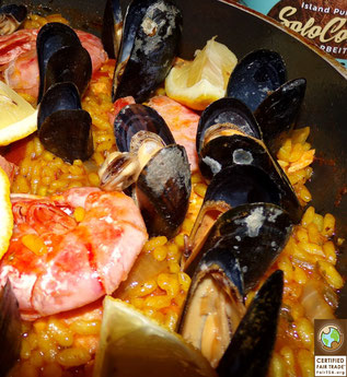 leckere Fisch und Meeresfrüchte Paella mit Kokosöl, schönes Rezept