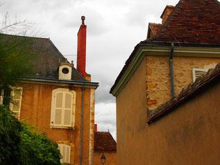 in St. Maixent wurde im 5. Jhd. das Kloster St. Saturmin gegründet