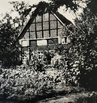 Das Haus Hoffmann vor dem Umbau 1946. (Bildnachweis: Privatbesitz K.-F. Hoffmann)