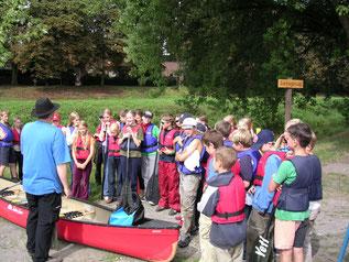 Wandertagmit dem Kanu: Erlebnis für Schulklassen