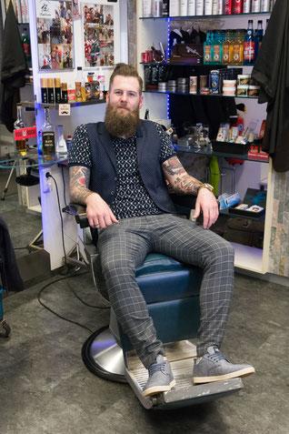 Barber shop in Oberösterreich Friseursalon Kremsmünster Friseur Bad Hall Barbershop Linz Barbershop Kremsmünster Friseursalon Wartberg Wo kann ich mir den Bart schneiden lassen? Barbershop in Ried