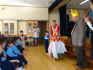91歳のおじいちゃんにサプライズ誕生日のお祝い!!