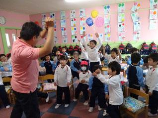 英語のダンス、歌遊び♪