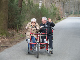 dagbesteding, koffie drinken, Bij Truus, Vaassen, dagopvang dementerende ouderen