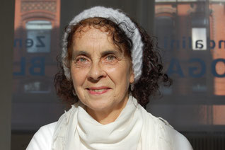 Lisa Uttamjot Kaur - Kundalini Yoga Lehrerin im Kundalini Yoga Zentrum BLISS Hannover
