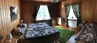 Schlafzimmer für zwei Personen + Zusatzbett