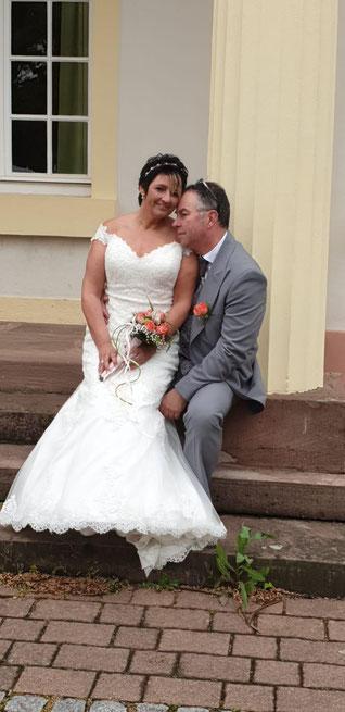 Hochzeit im Rohrbacher Schlösschen und Freie Trauung mit Traurednerin Stella :) Foto: Nina Zwaller.