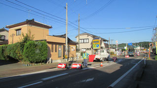 三条市 舗装補修工事現場(片側交互通行)