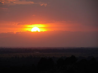 Depuis la Colline Saint Etienne, soleil couchant le 21 juin 2018 / 21h15