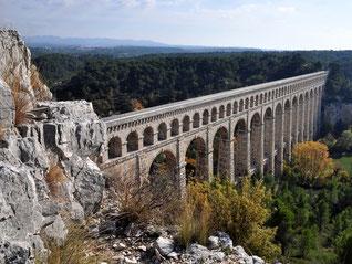 Aqueduc de Roquefavour (longueur = 400m)